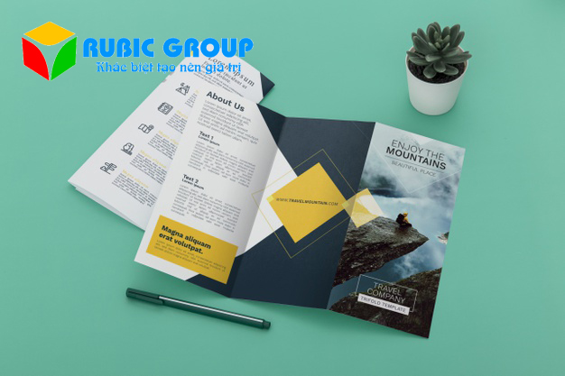 thiết kế brochure ai 4